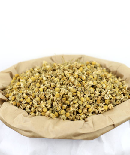 Découvrez notre Camomille Matricaire bio en fleurs entières séchées de haute qualité pour créer votre infusion de Camomille Matricaire bio.