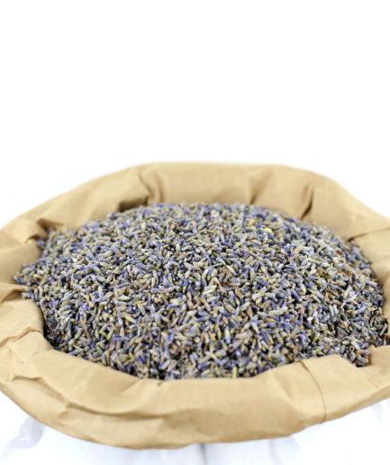 Découvrez nos fleurs entières de Lavande bio séchées de haute qualité, pour créer votre infusion de Lavande bio et profitez de ses bienfaits.