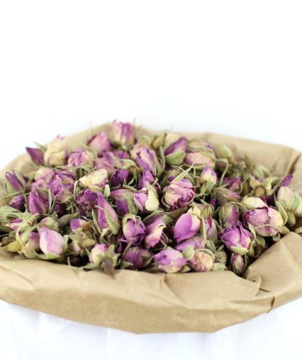 Découvrez nos boutons entier de Rose de Damas bio de haute qualité. Pour créer votre infusion de Rose bio maison et profitez de ses bienfaits.